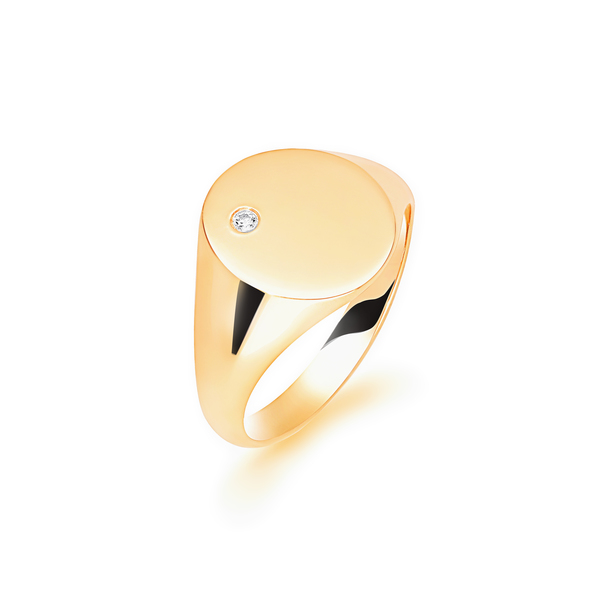 9 carat yellow gold signet set with diamond