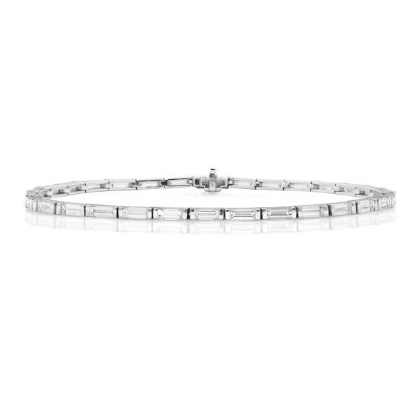 18 carat white gold diamond baguette bracelet